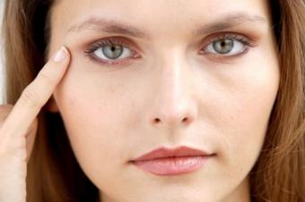 Синяки под глазами: причина появления