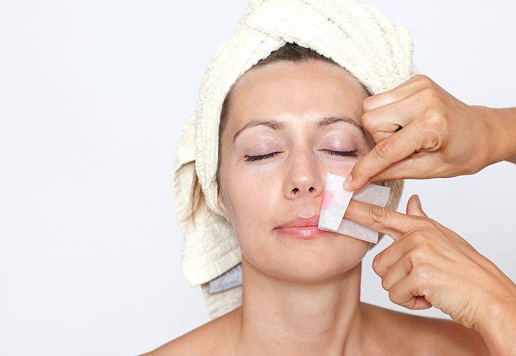 Как избавиться от усиков на лице?