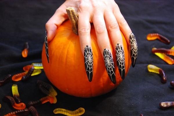 Маникюр на Хэллоуин своими руками