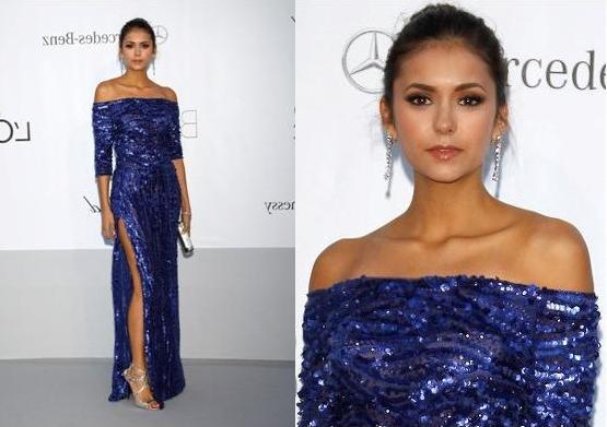 Нина Добрев в синим платтье
