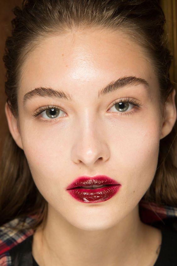 Модный макияж губ 2018