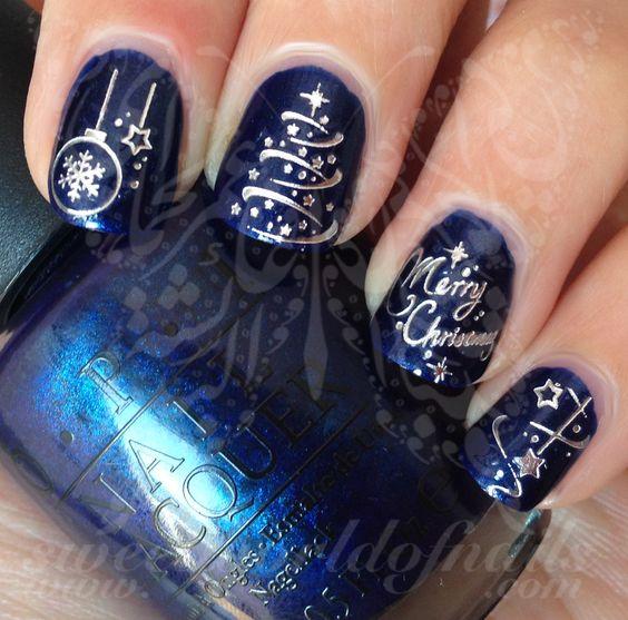 Синий маникюр с елкой