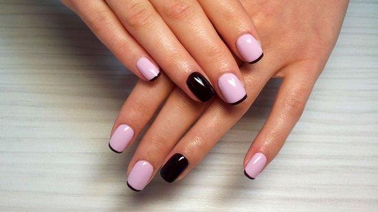 Розово-черный французский маникюр
