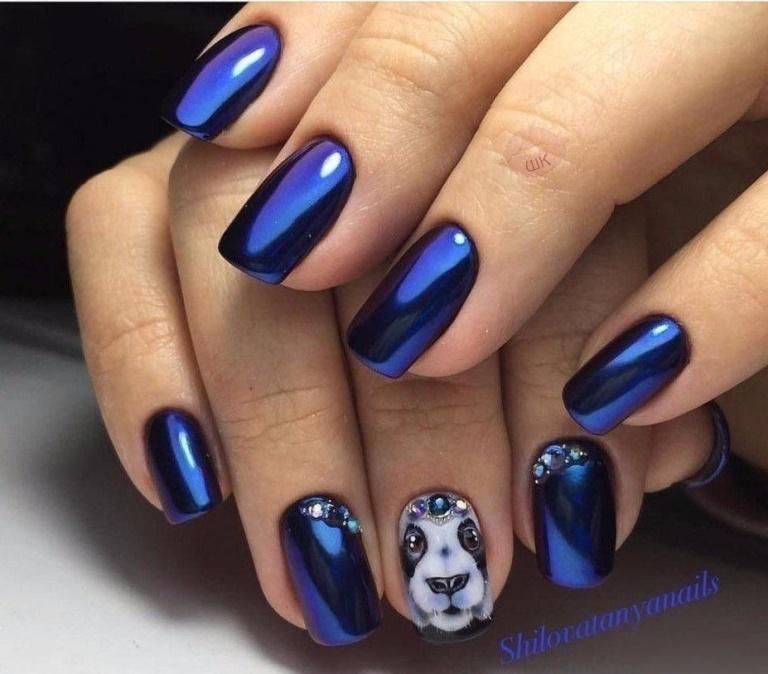 Синий маникюр с собакой