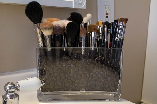 Подставка для макияжных кистей