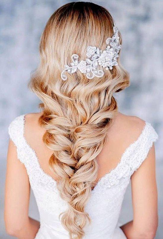 Объемная коса на свадьбу