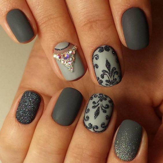 Идеи матового маникюра на короткие ногти