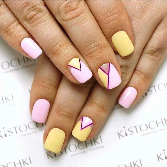 Пастельный желто-розовый маникюр
