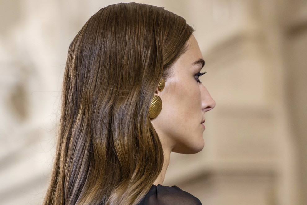 Эффект glass hair на длинных волосах