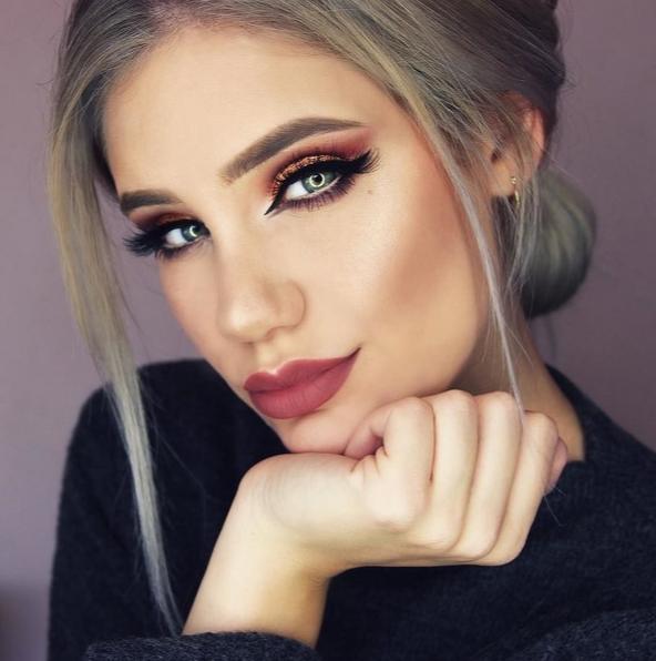 Блестящий макияж глаз