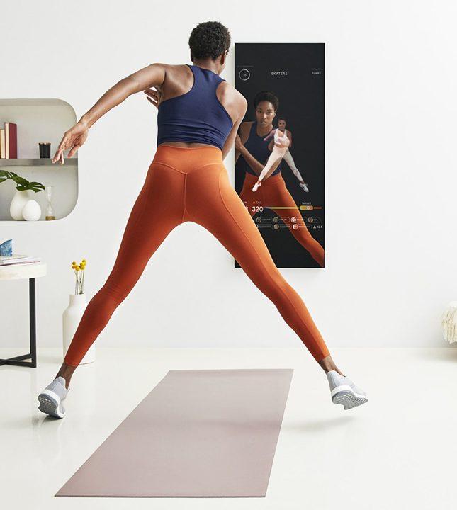 Тренировки в домашних условиях с умным зеркалом