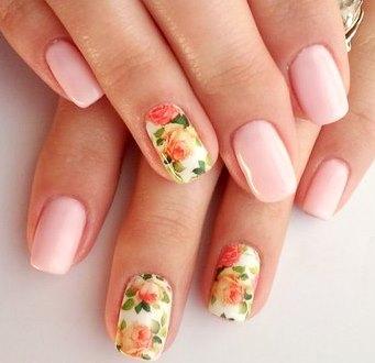 Розовый весенний маникюр