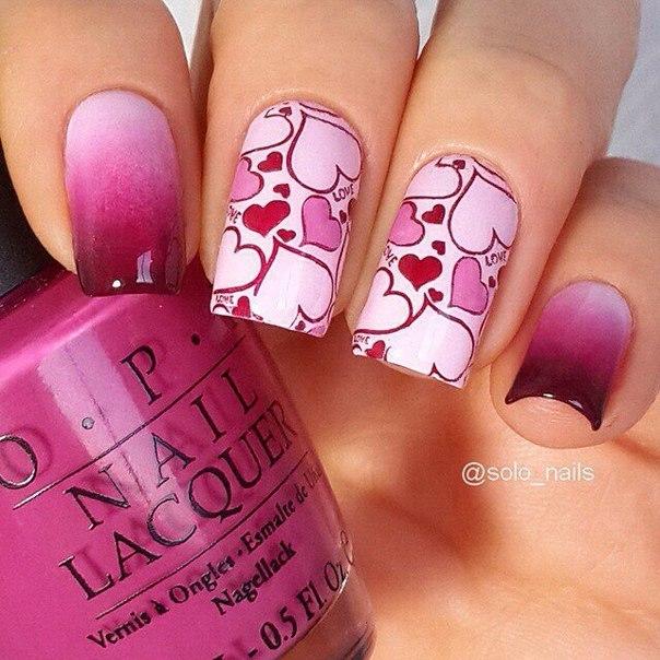 Розовый маникюр омбре с сердечком