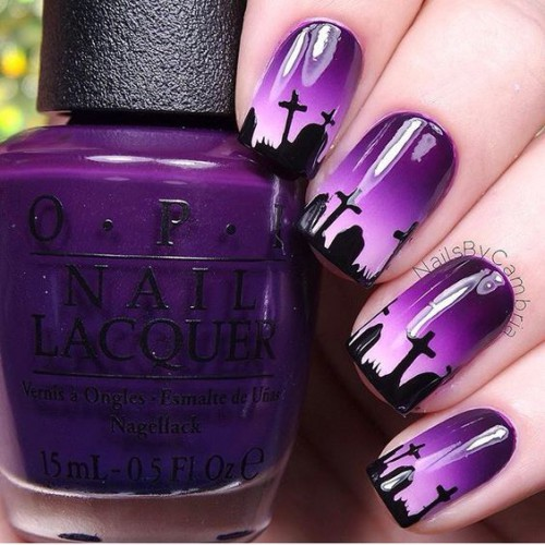 Фиолетовый маникюр на Хэллоуин