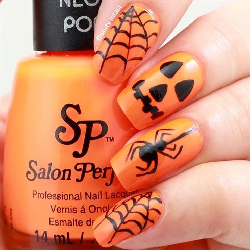 Оранжевый маникюр на Хэллоуин