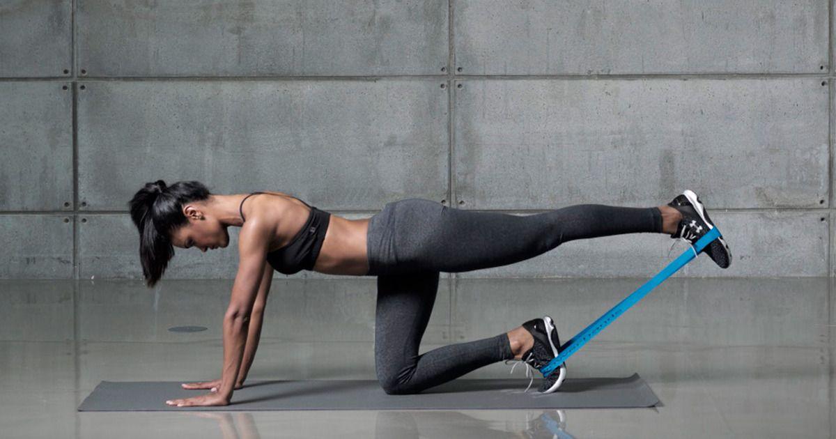 Упражнения с фитнес резинками на ягодицы и бедра